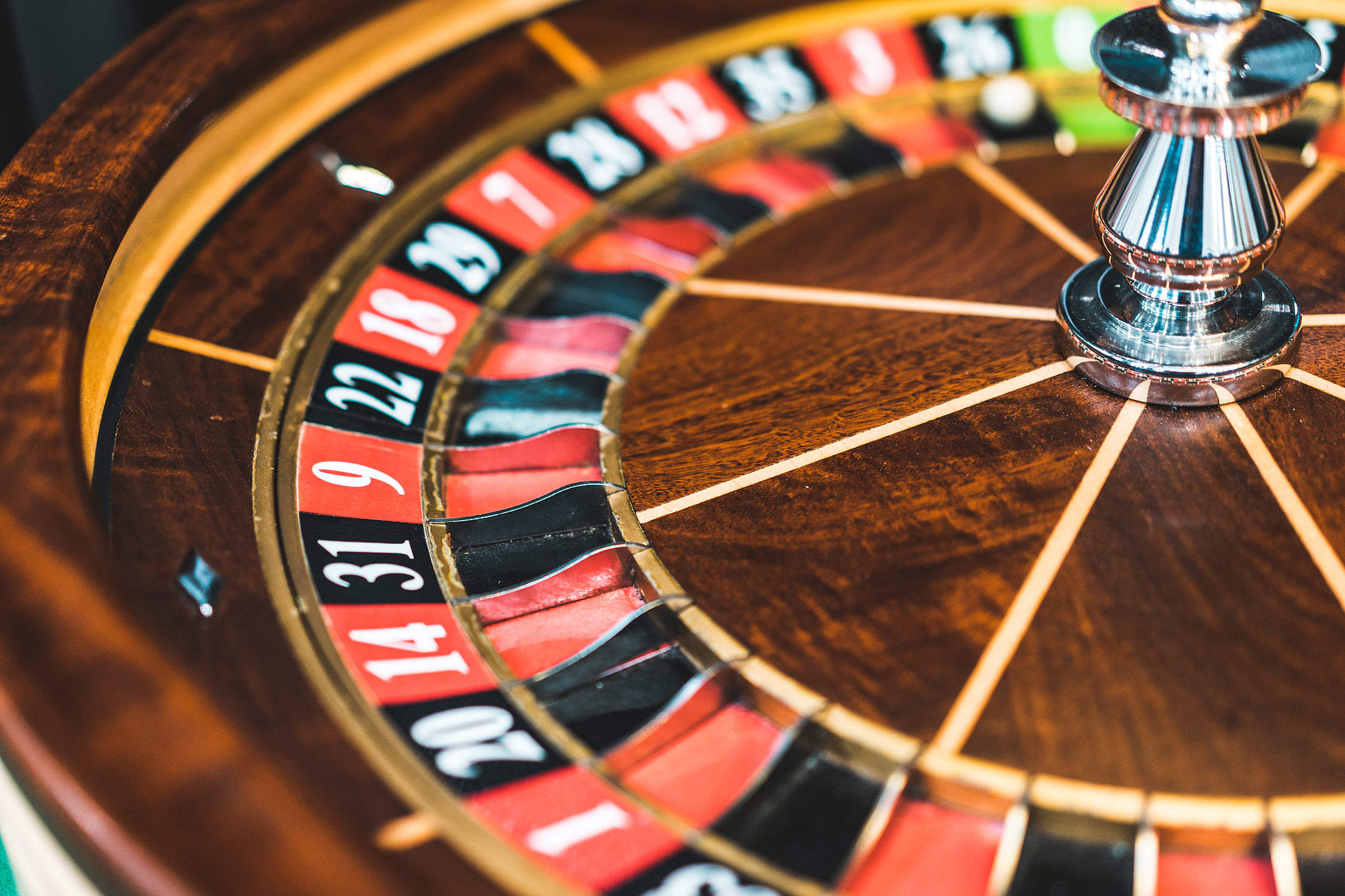 Tips on Collecting a Bankroll While Playing Online Roulette